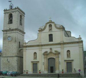 PALAZZO-ADRIANO-chiesa-madre